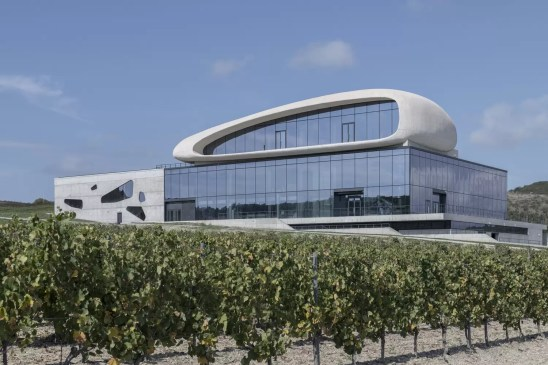 Cote Rocheuse Winery / Severin Project