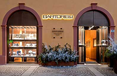 The hotel torino is situated in the heart of venice, near the luxurious boutiques of calle xxii marzo and just a one minute's walk from the spectacular st. Bartorelli Gioielleri Studio Simonetti Srl Media Photos And Videos 2 Archello