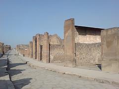 Pompei - Via dell'Abbondanza (Foto Cfuga) width=