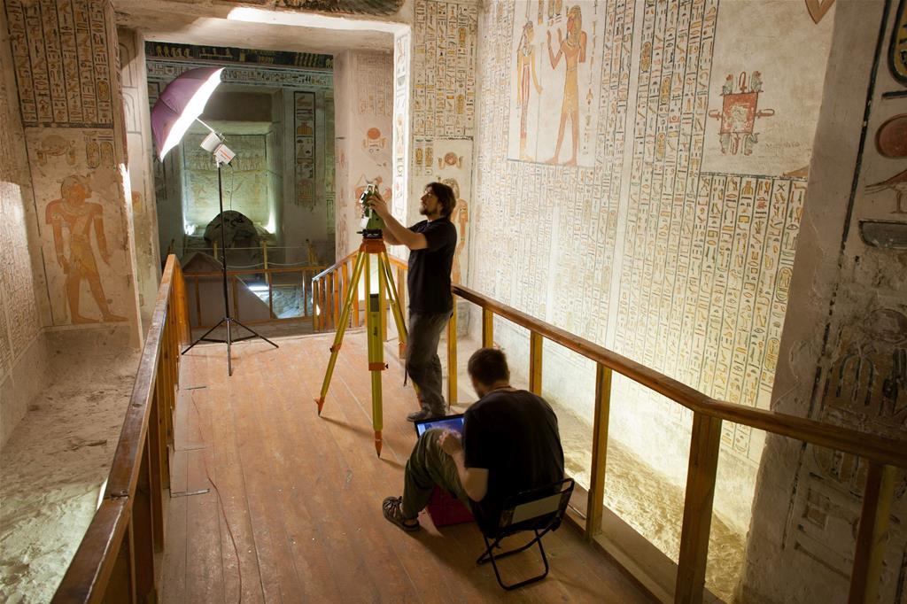 Des graffitis rappellent le tourisme antique dans les tombes des pharaons