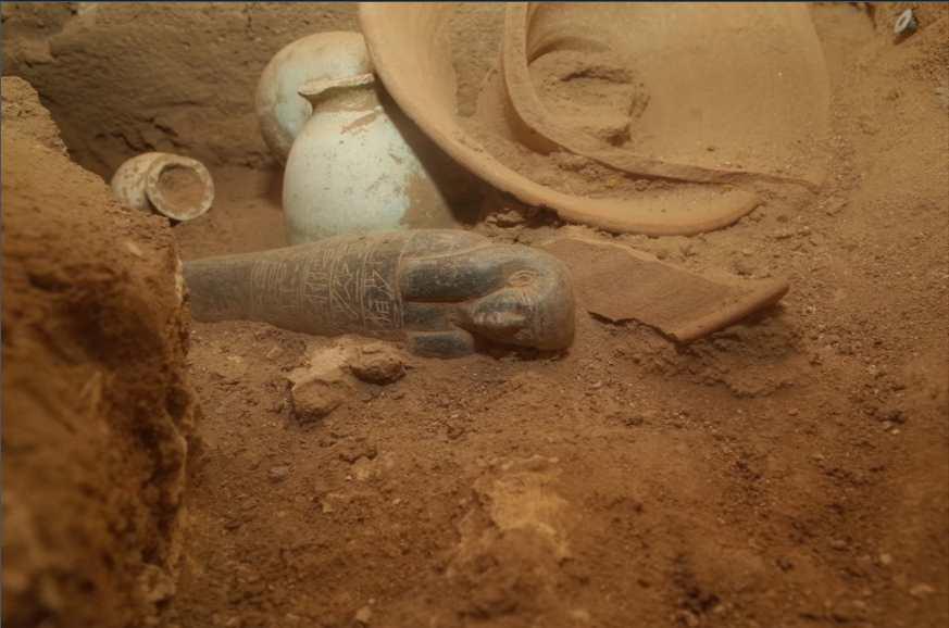 Tombe d'un orfèvre égyptien fouillée sur l'île de Saï, en Nubie