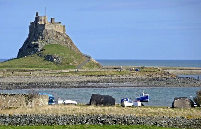 Une des plus vieilles églises d'Angleterre retrouvée sur l'île sainte de Lindisfarne