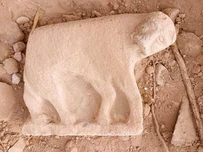 Une statue monumentale de lionne découverte sur le plateau du Golan