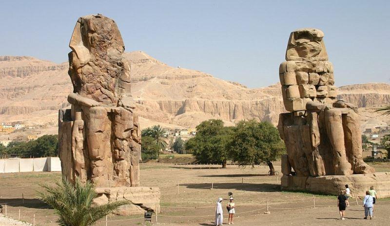 Le temple des millions d'années du pharaon Aménophis III