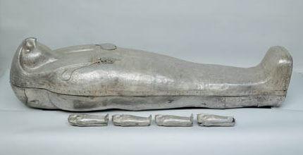 sarcophage-argent-faucon-pharaon-sheshonq-II