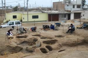 fouilles-site-sacrifice-humain-chimu-perou