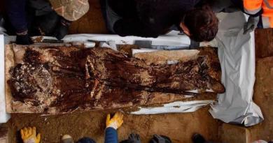La tombe intacte d'un abbé momifié de Saint-Médard de Soissons