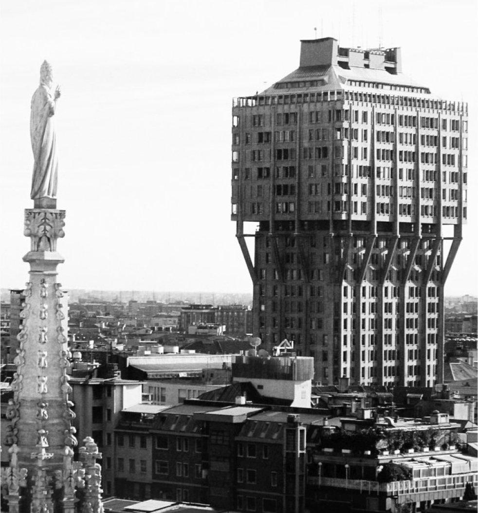 Torre Velasca Milan Duomo