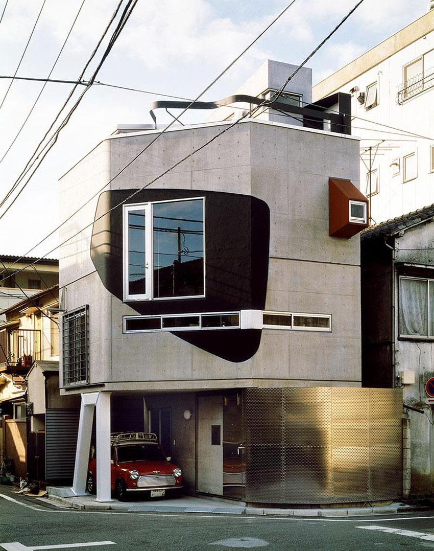 Exterior Facade of the Suzuki House by Bolles + Wilson in Tokyo