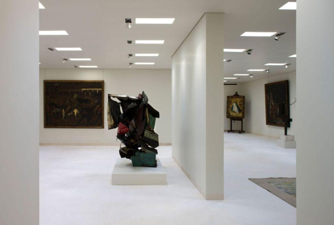 Plácido Arango exhibition space / Elisa Valero