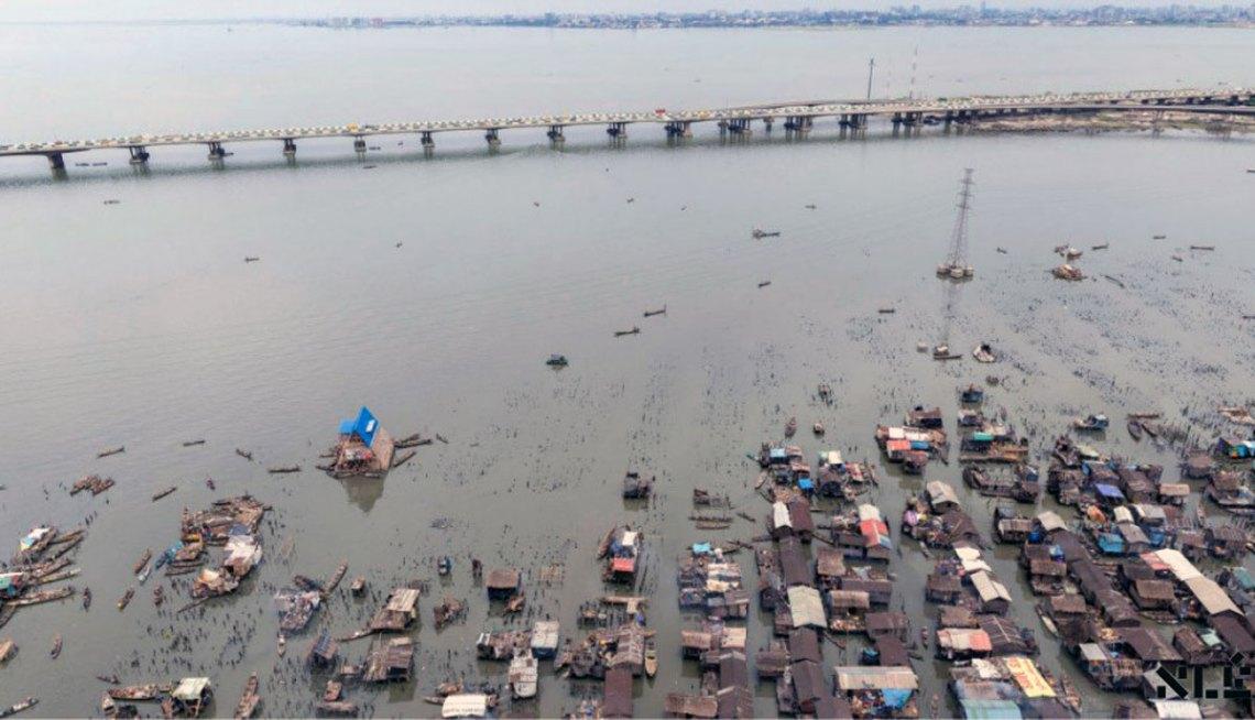 Makoko Floating School / Kunlé Adeyemi – NLÉ