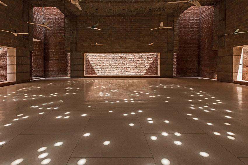 Bait Ur Rouf Mosque / Marina Tabassum
