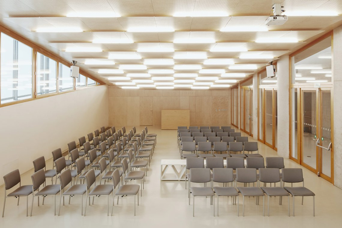 House of Prayer - Free Evangelical Church / Fránek architects