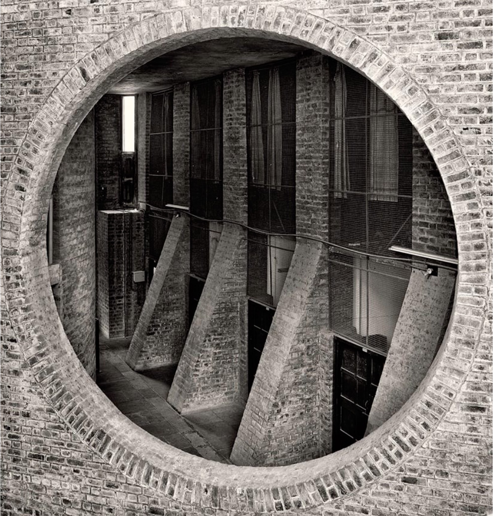 Arches of the Indian-institute-management-louis-kahn-161