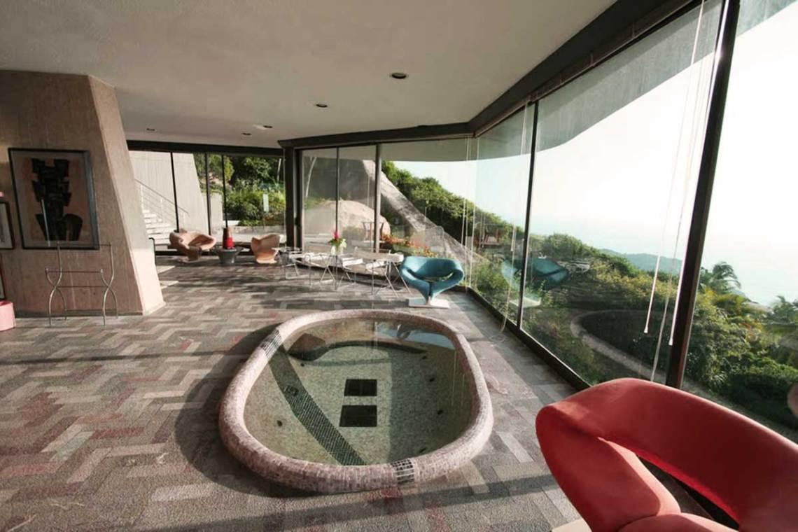 Arango Marbrisa House by John Lautner Interior jacuzzi