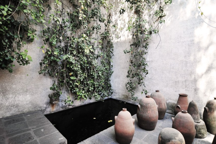 Luis Barragan studio water fountain