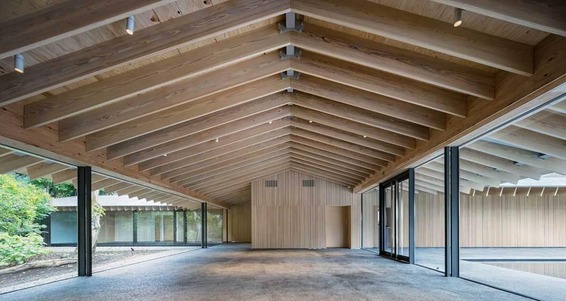 Interior wood modern structure of the Shiunzan Zuisho-Ji Temple in Tokyo Kengo Kuma and Assosiates
