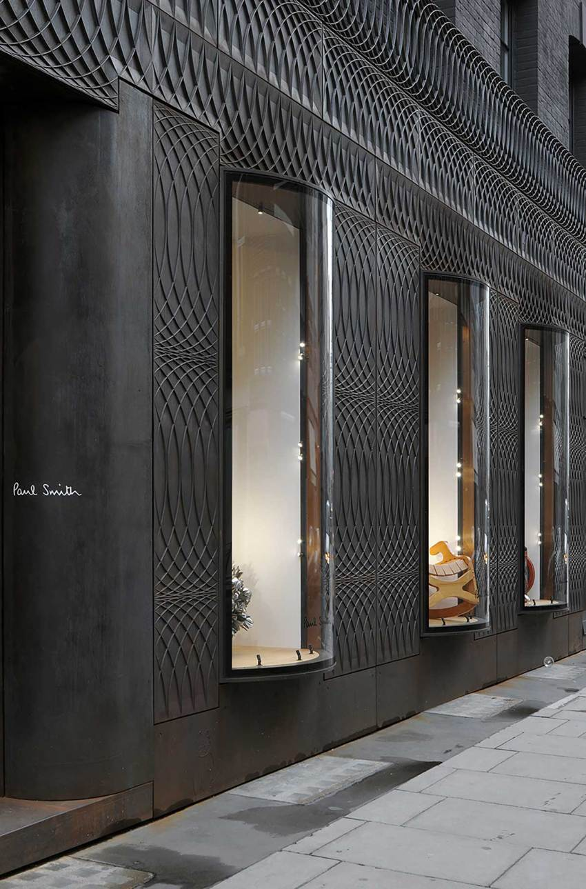 Facade detail Paul Smith Retail Shop in London / 6a architects