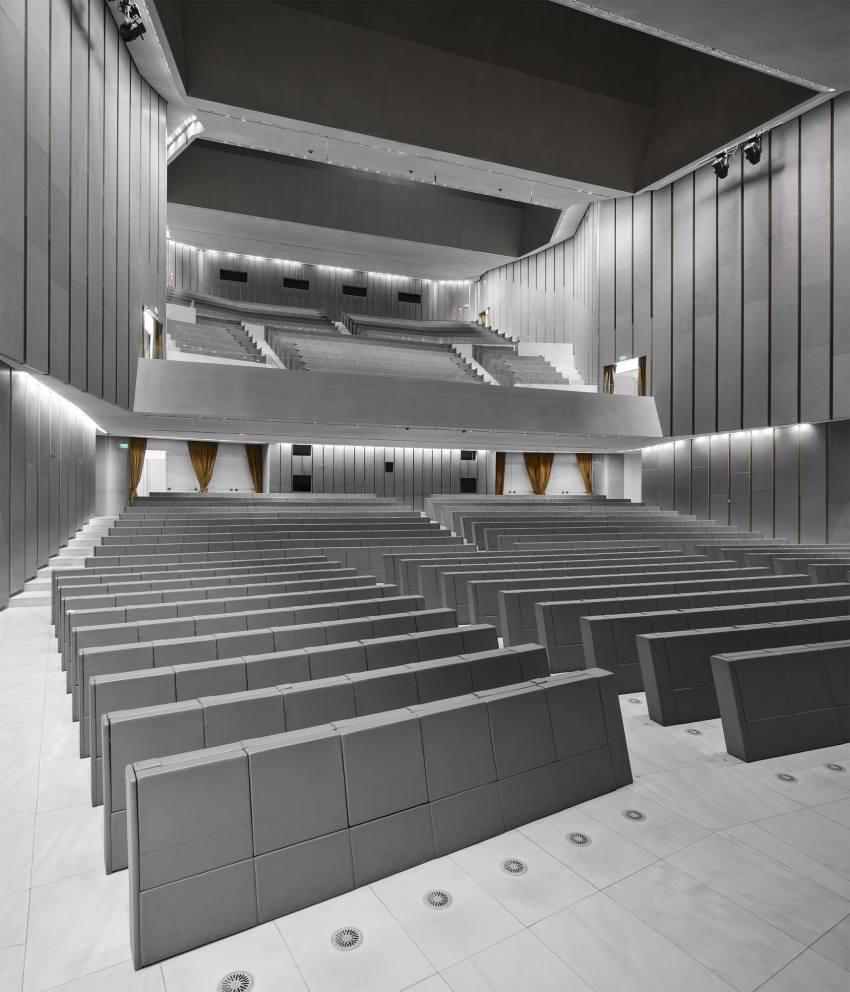 Auditorium of the Universita Luigi Bocconi / Grafton Architects