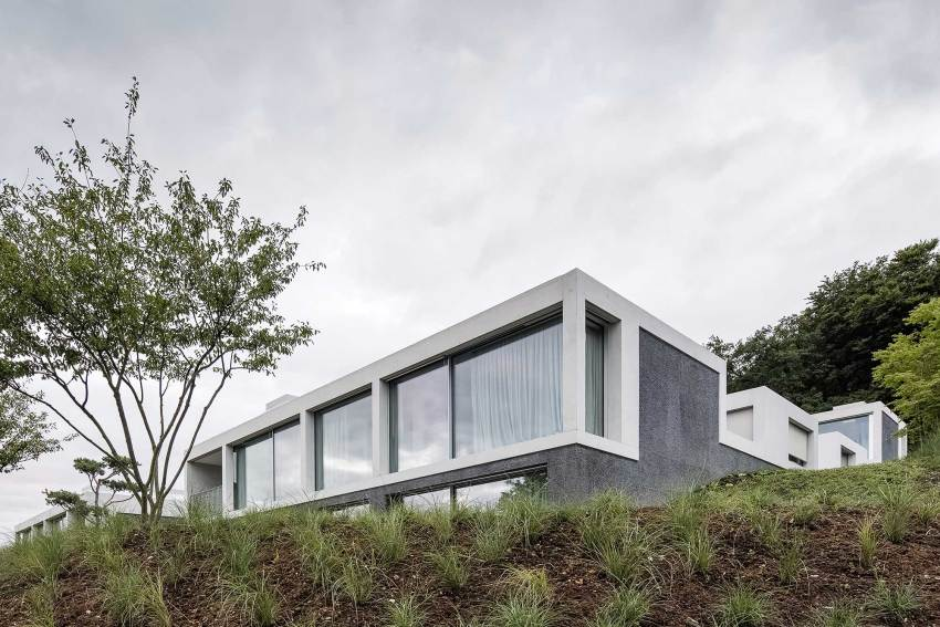Exterior view -Courtyard Houses in Zumikon / Think Architecture