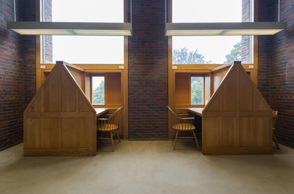 Phillips Exeter Academy Library / Louis Kahn