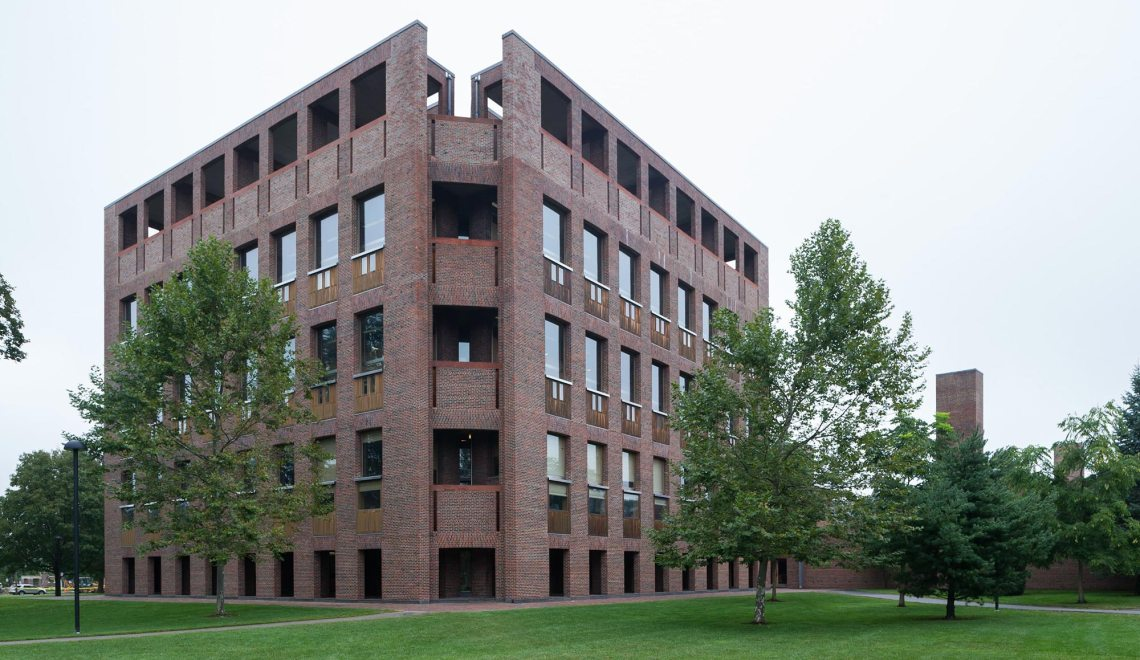 Corner - Phillips Exeter Academy Library / Louis Kahn