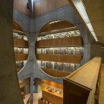Interior Void- Phillips Exeter Academy Library / Louis Kahn