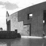 Facade materials - Vidhan Bhavan State Assembly in Bhopal / Charles Correa