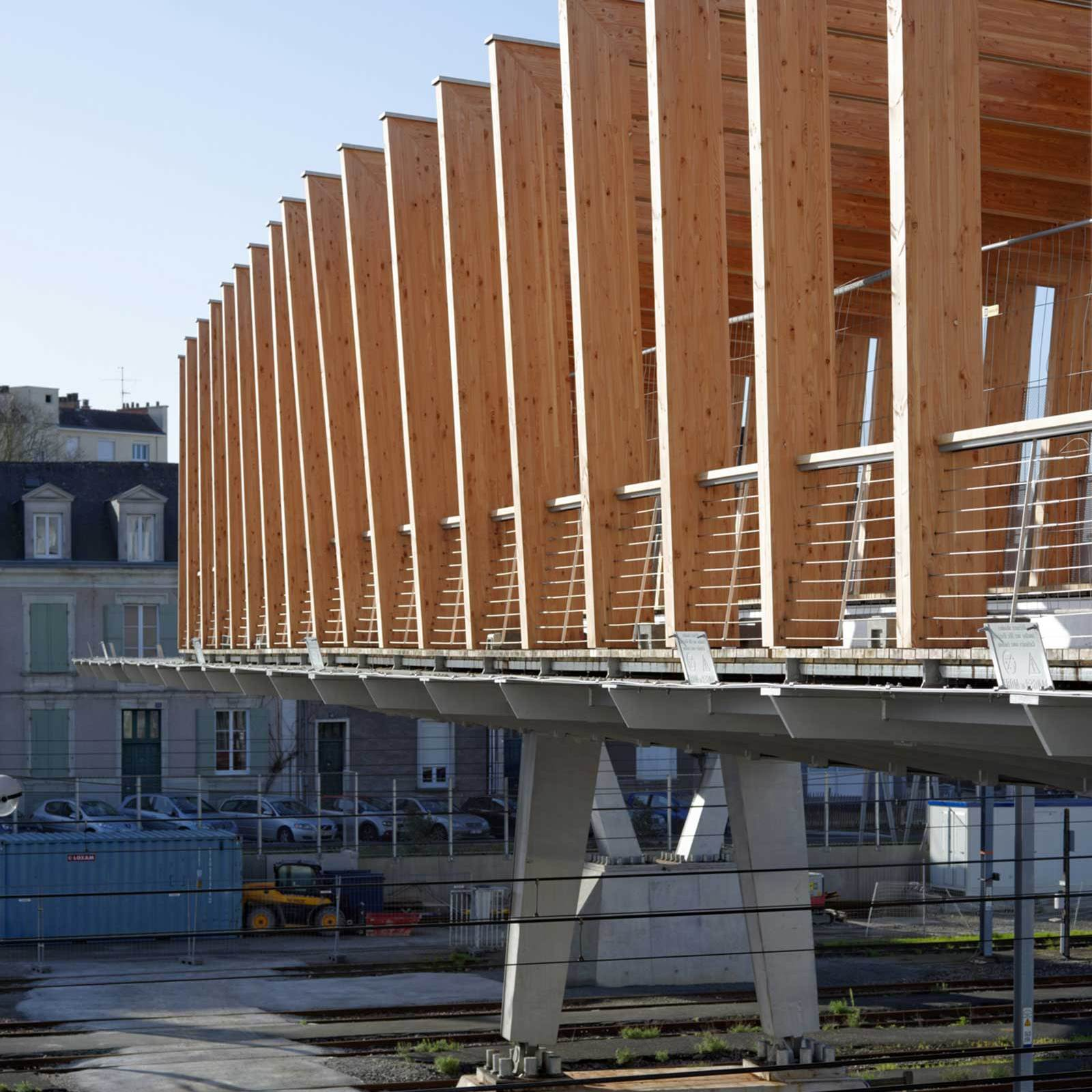 Detail - Footbridge at Angers Saint-Laud TGV Train Station / Dietmar Feichtinger Architectes (DFA)