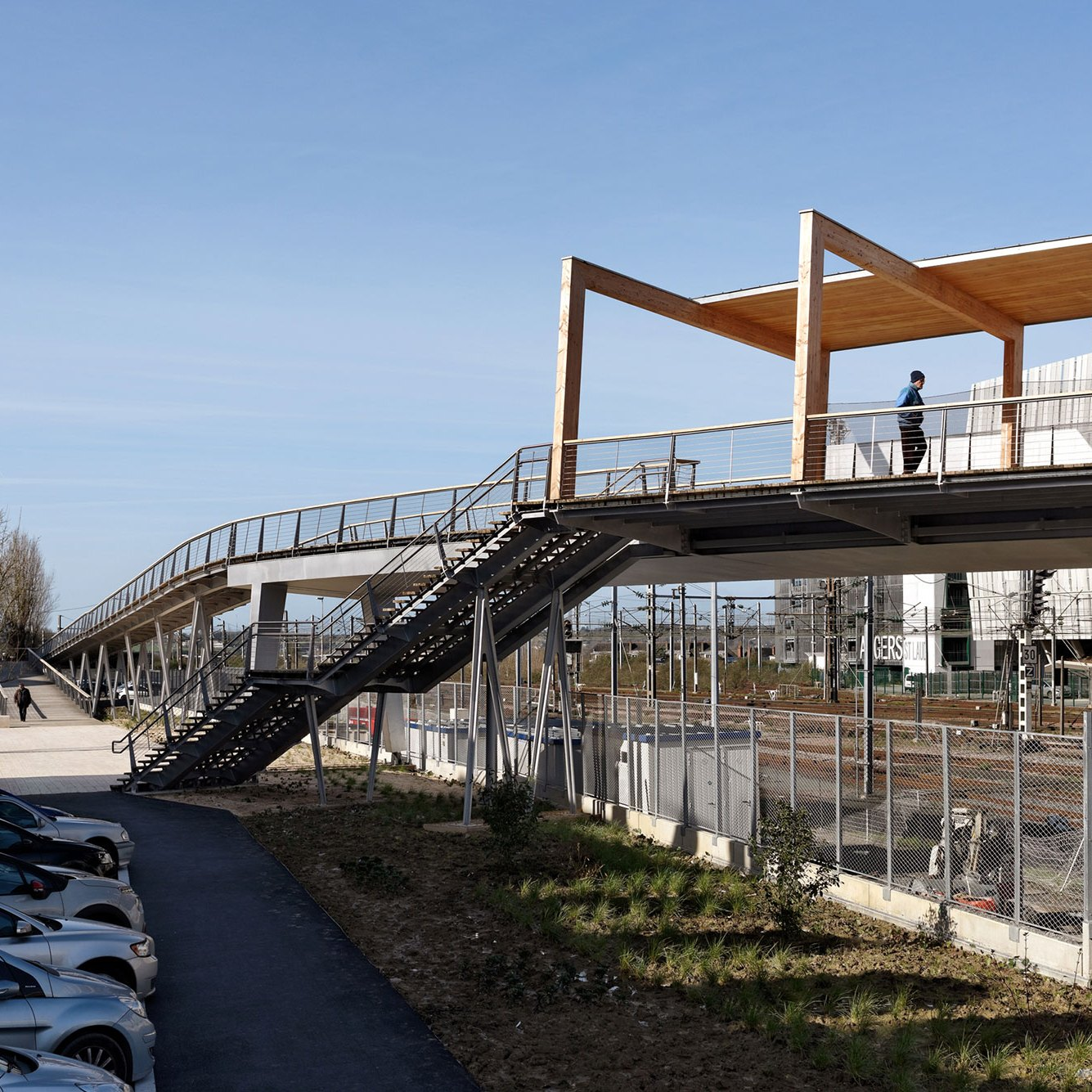 Stairs - Footbridge at Angers Saint-Laud TGV Train Station / Dietmar Feichtinger Architectes (DFA)