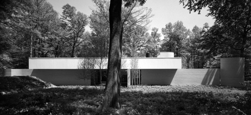 Exterior - Jerome & Carolyn Meier House / Richard Meier