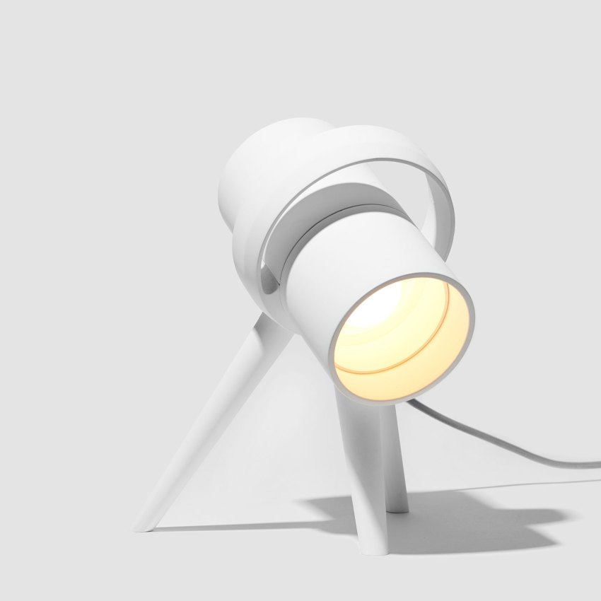 White Lamp modern design with tripod legs - Pluto Task Lamp by Heitor Lobo Campos