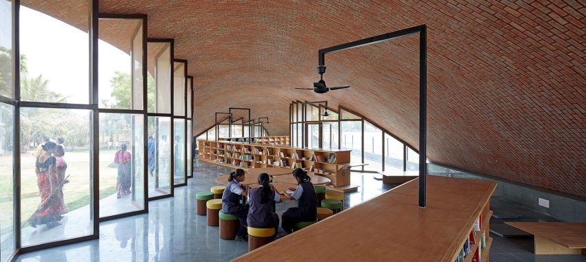 Interior - Maya Somaiya Library and Sharda School / Sameep Padora and Associates