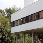 Facade Corner Villa Savoye / Le Corbusier