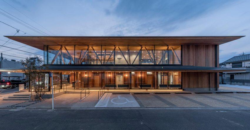 Warm Transparency Clinic byYoshiaki Tanaka - World Design Rankings