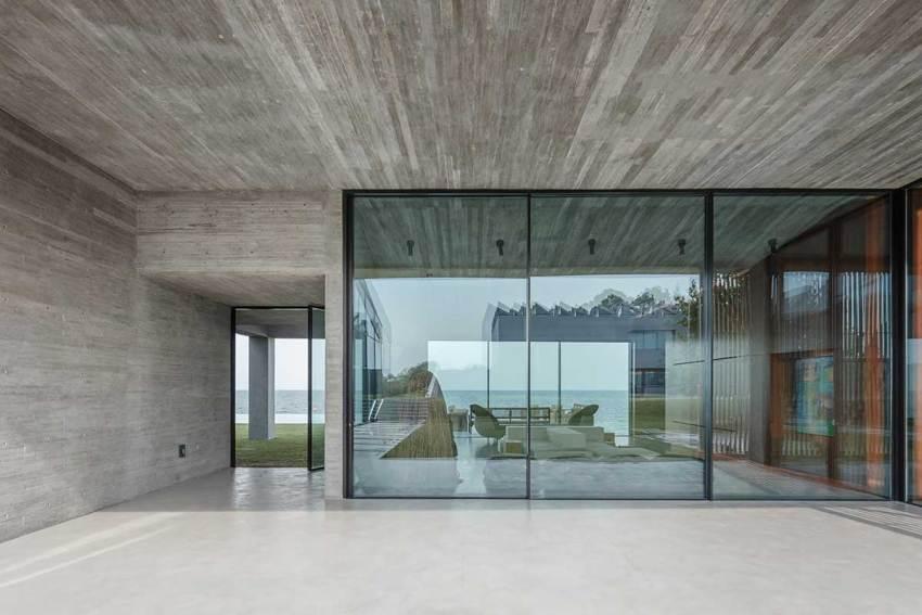 Baraka Seaside Residence / PAD10 Architects + Designers