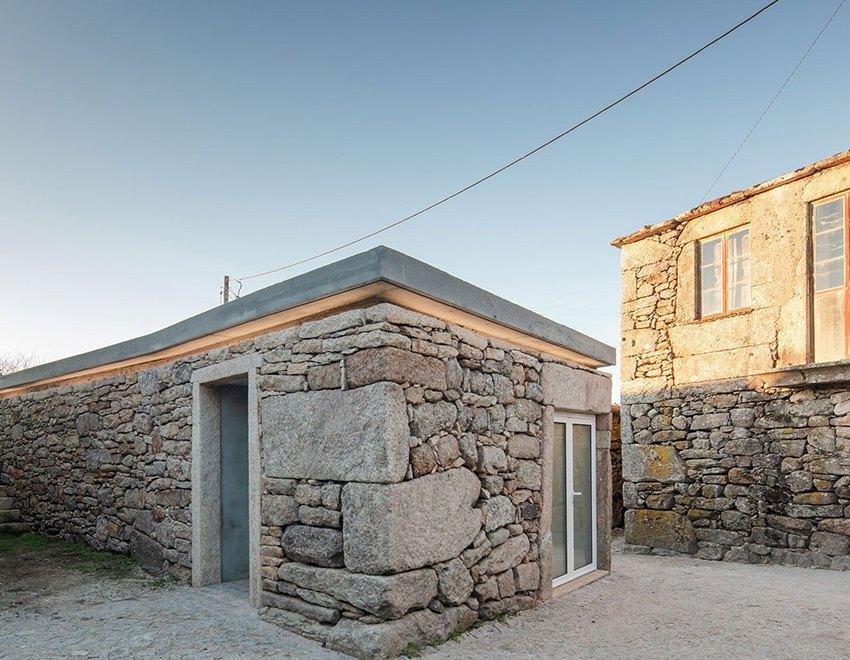 Exterior - Grandfather's Martinho House / COVO Interiores