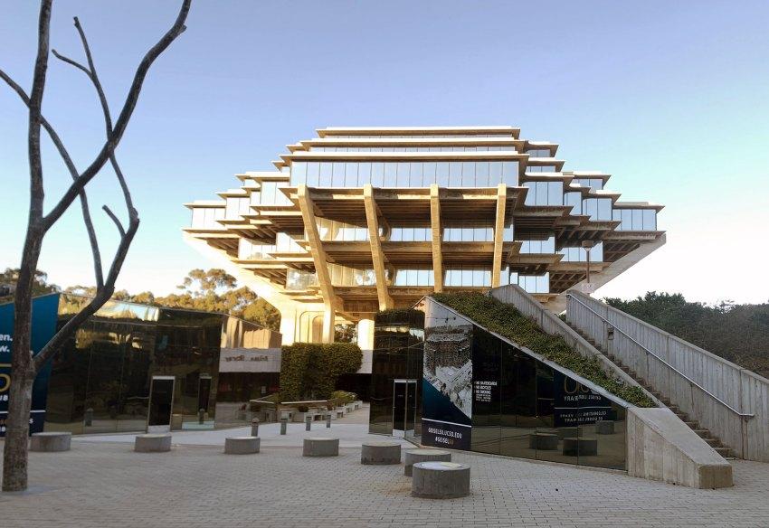 The Geisel Library / William Pereira & Associates
