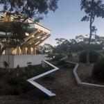 Paths - The Geisel Library / William Pereira & Associates