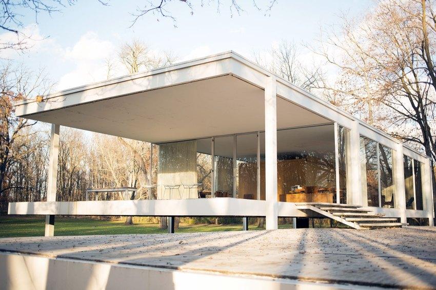The Farnsworth House / Mies van der Rohe