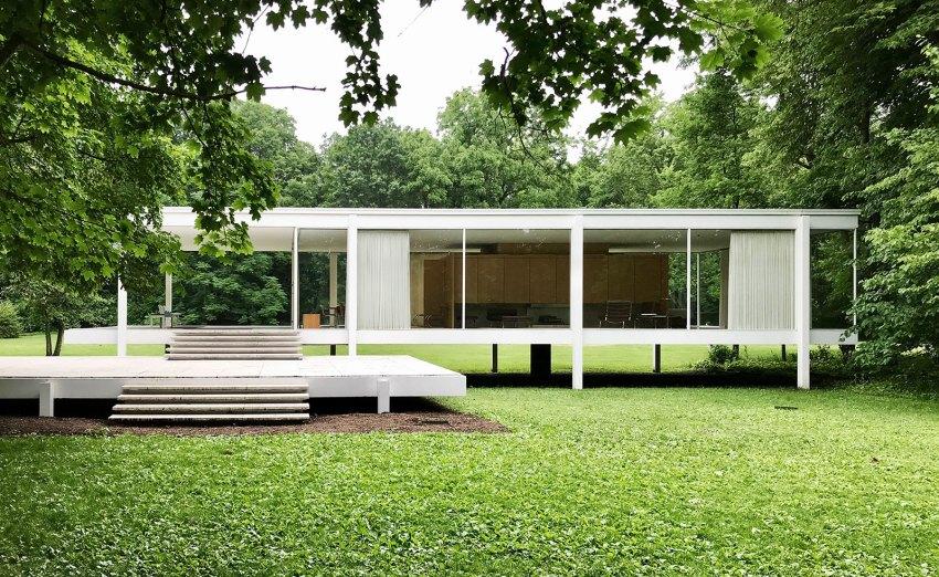 Exterior - The Farnsworth House / Mies van der Rohe