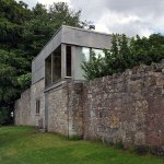 Wall exterior view - Upper Lawn Solar Pavilion Folly / Alison & Peter Smithson