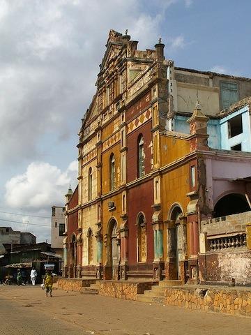 Lagrande-mosquee-de-porto-novo-au-Benin-patrimoine-darchitecture-afro-bresilienne-9