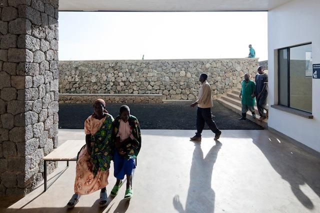 comment-equilibrer-les-traditions-locales-et-innover-dans-la-conception-dequipements-publics-en-afrique-2