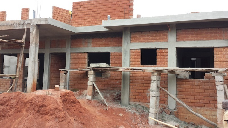 architecture-africaine-des-murailles-en-terre-aux-murs-en-ciment-par-pierre-boutin-sma -18