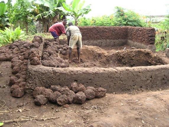 architecture-africaine-des-murailles-en-terre-aux-murs-en-ciment-par-pierre-boutin-sma -5