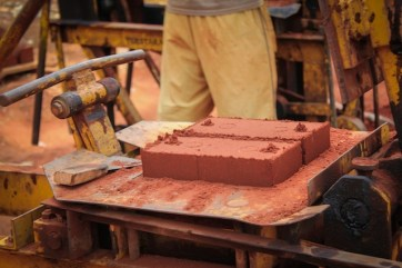 en-images-la-recherche-sur-les-materiaux-de-la-bibliotheque-de-muyinga-au-burundi-par-bc-architects-13