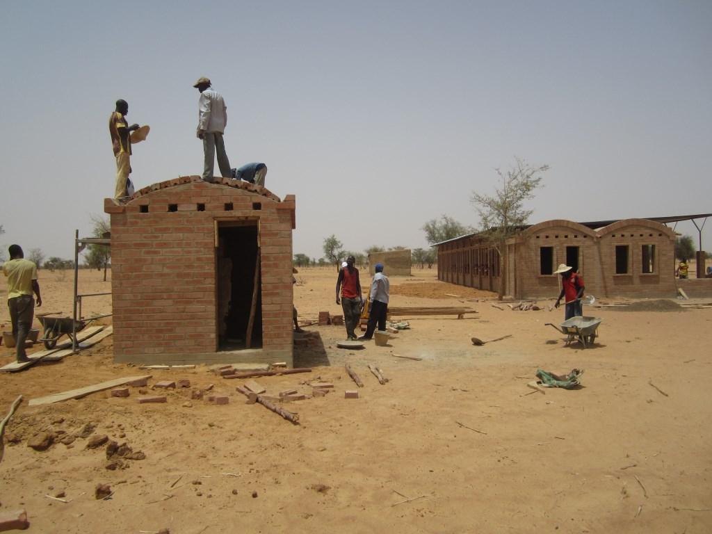 mali-gangouroubou-ecole-primaire-au-pays-dogon-par-levs-architecten-33