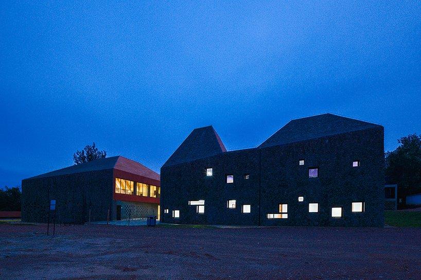 ecole-darchitecture-de-kigali-au-rwanda-par-schweitzer-associes-architectes -11