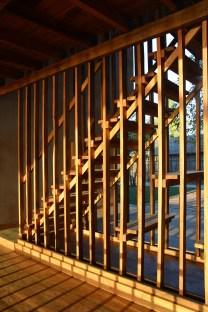 sous-les-voiles-a-nosy-be-madagascar-par-sceg-architects-19